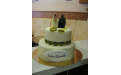 ESK2090 -  erre az esküvői torta kódra hivatkozzon!