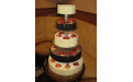 ESK2028 -  erre az esküvői torta kódra hivatkozzon!