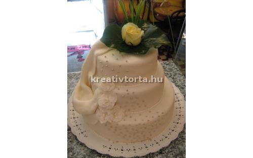 ESK2063 -  erre az esküvői torta kódra hivatkozzon!