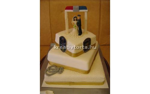 ESK2034 -  erre az esküvői torta kódra hivatkozzon!