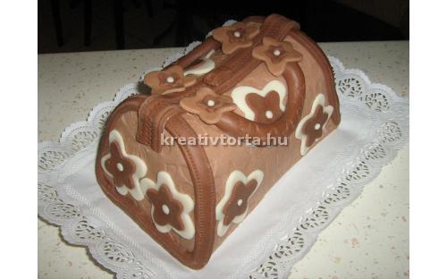 Táska torta KRE2026